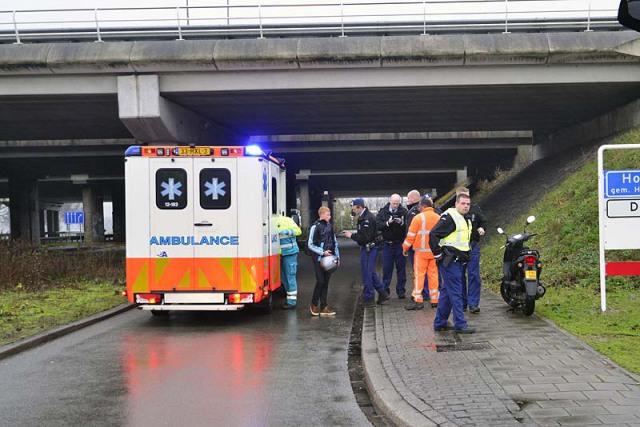 Rozenburg-NH: Scooterrijder gewond