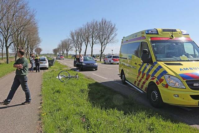 Fietser gewond na aanrijding met auto op Schipholweg in Vijfhuizen