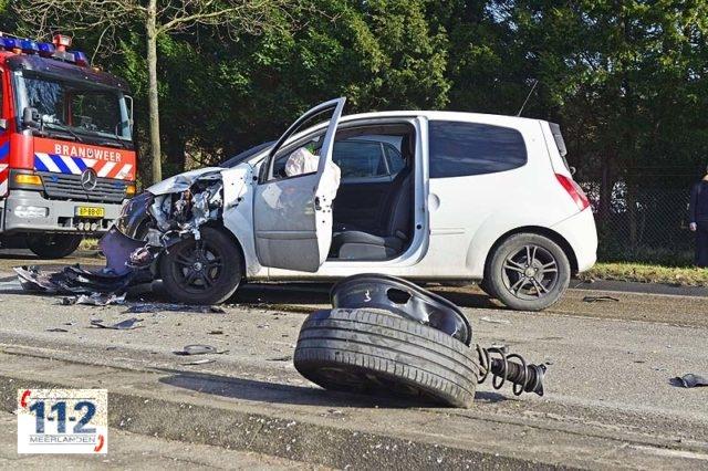Heemstede – Moeder en dochter slaan meerdere keren over de kop met hun wagen