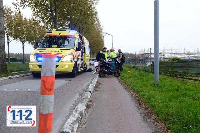 Hoofddorp – Scooterrijder botst op wegversmalling en raakt gewond