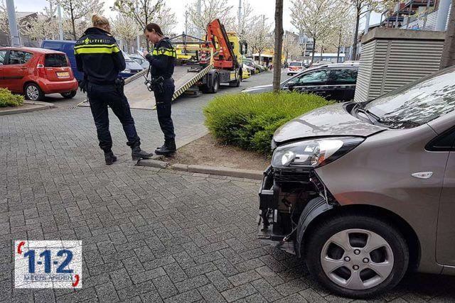 Nieuw-Vennep – Verkeerde pedaal zorgt flinke schade