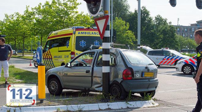 Hoofddorp – Automobilist gewond na aanrijding met R-net bus
