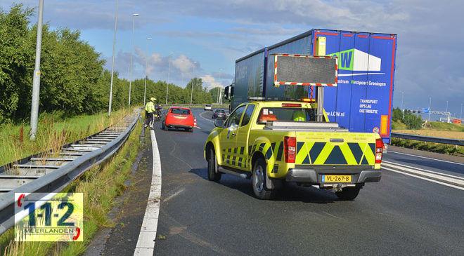 Lijnden – Auto uit de bocht en in de vangrail op de A5 (update)
