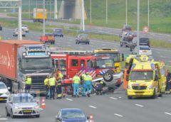Hoofddorp – Auto slaat over de kop op de A4