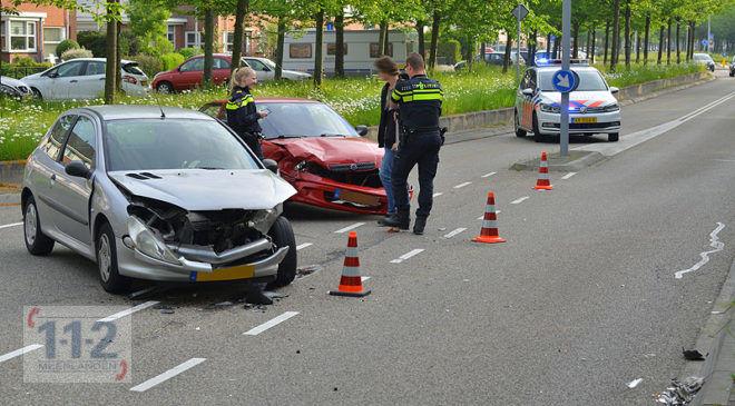 Nieuw-Vennep – Flinke blikschade bij ongeval Componistenweg