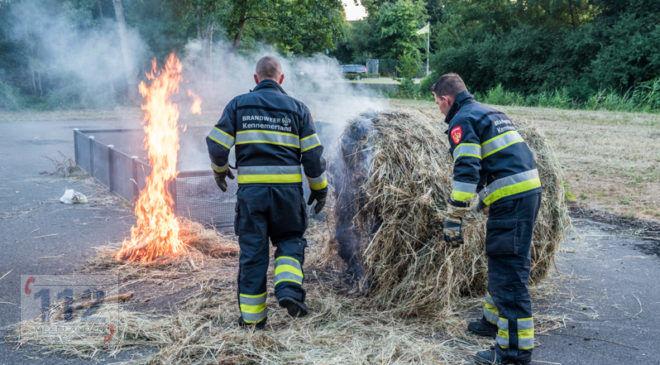 Hoofddorp – Hooibaal in brand aan de meermanstraat.