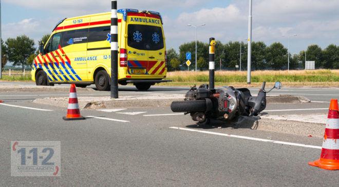 Hoofddorp – Scooterrijder gewond na aanrijding op de Spoorlaan