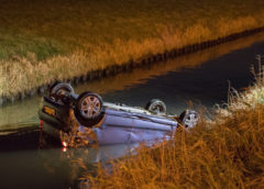 Rijsenhout – Na ongeval raakt auto te water langs de A4
