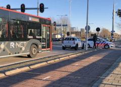 Hoofddorp – Passagier gelanceerd door noodstop bus