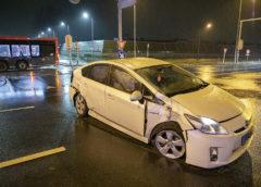 Hoofddorp – Taxi hard in botsing met bus op de N201