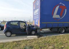 Oude Meer – Automobiliste gewond na botsing tegen vrachtwagen