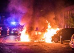 Assendelft – 3 auto's uitgebrand aan de vierschaar.