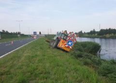 Hoofddorp – Tractor zakt weg