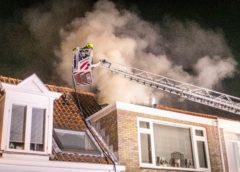 Haarlem – Veel rook bij schoorsteenbrand in Haarlem, vogel gered